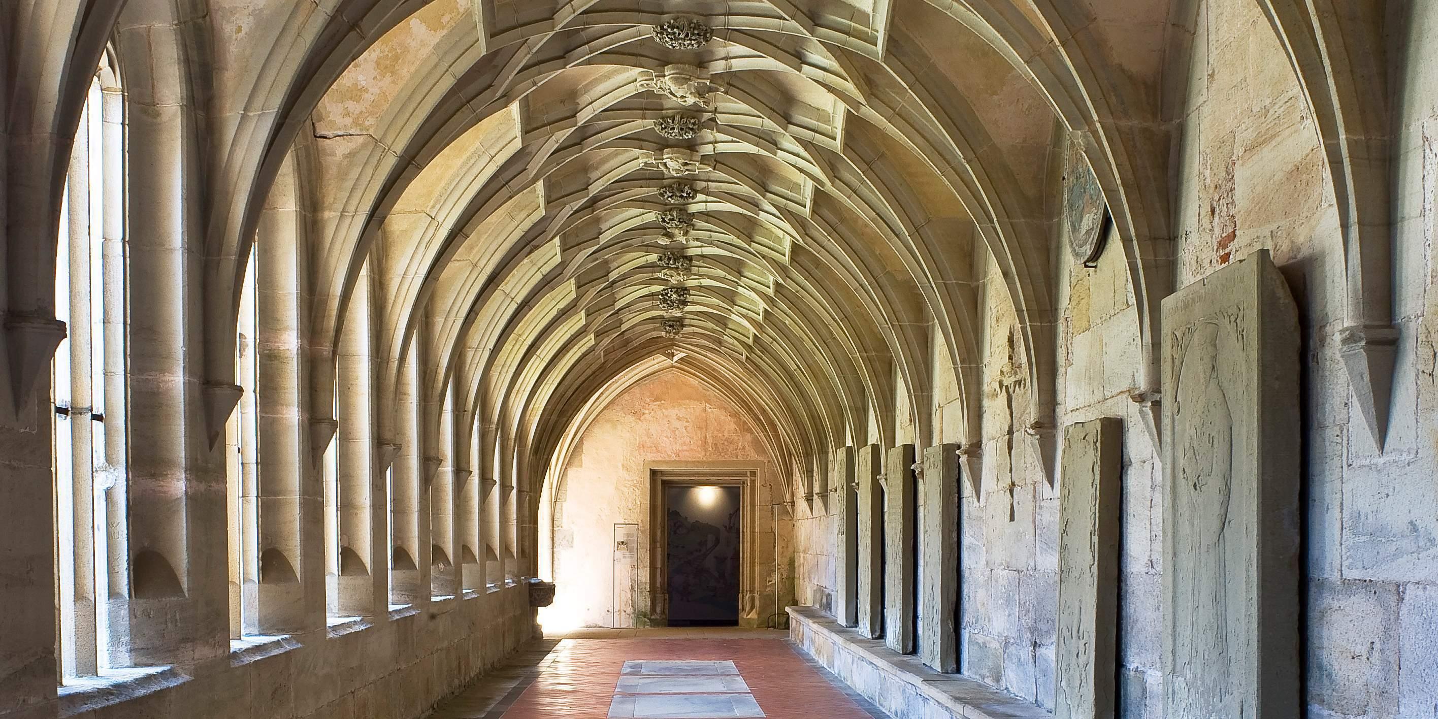 Kreuzgang im Kloster Bebenhausen;  Foto: Staatliche Schlösser und Gärten Baden-Württemberg, Rose Hajdu