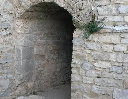 Festungsruine Hohenneuffen, Zwischen den Gewölben